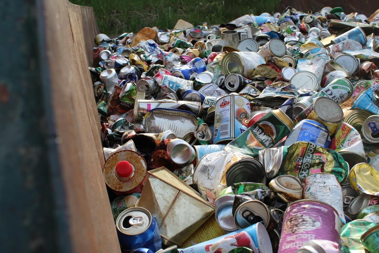 Konzervy a plechovky k recyklaci - sběrný dvůr TSK