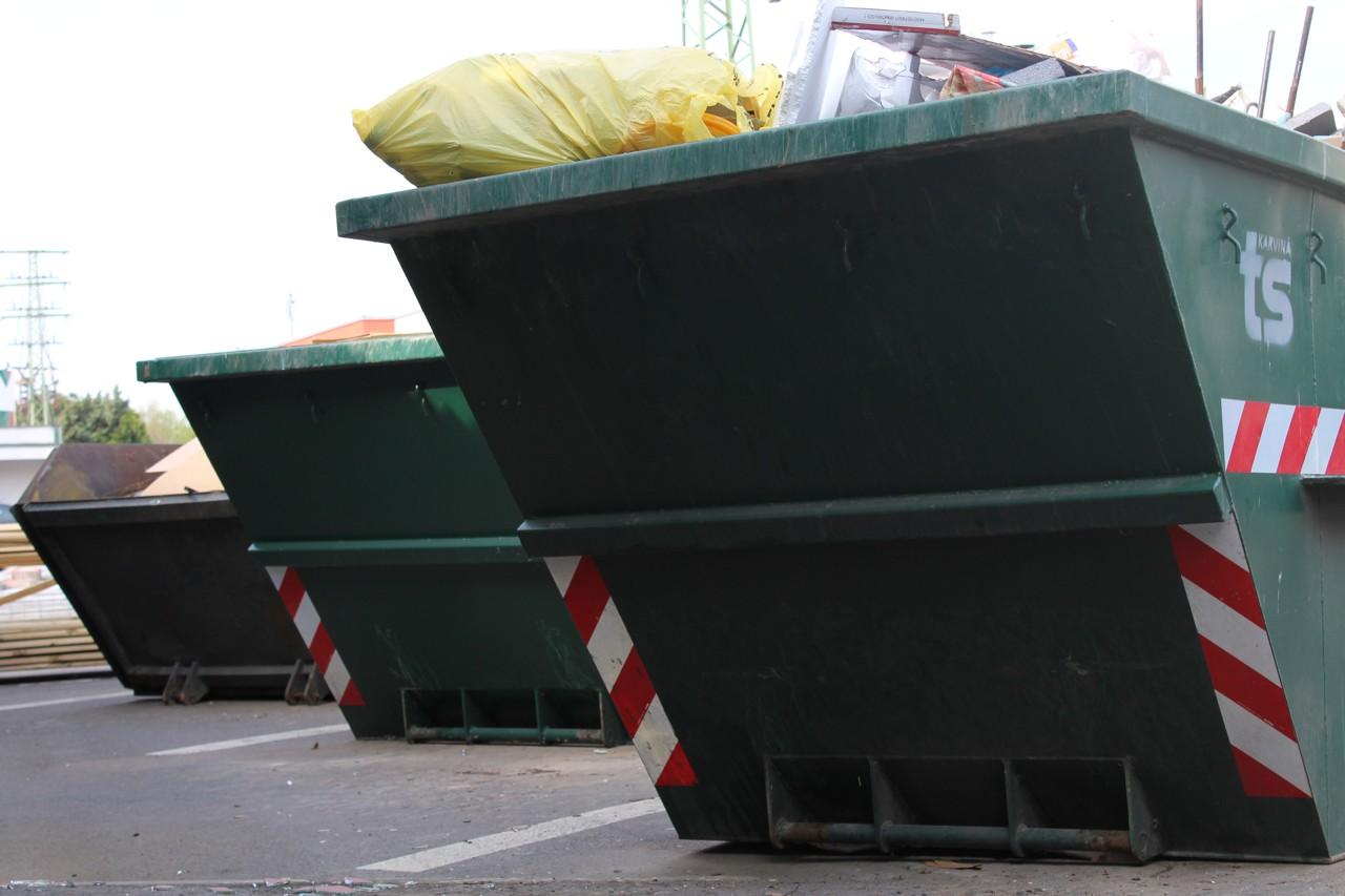 Kontejnery s komunální odpadem - sběrný dvůr TSK